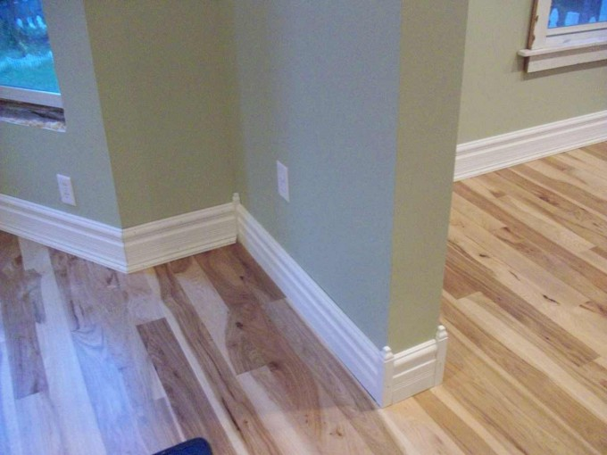 Baseboard Molding Styles Selecting Guide With Darkkhaki Wall And Wooden Floor