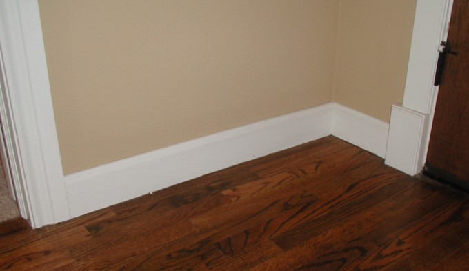Baseboard Molding With Cream Wall And Wooden Floor Ideas