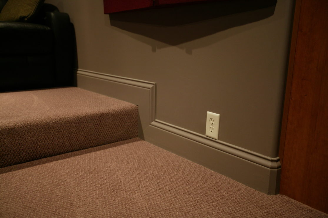 Baseboard molding with matching wall