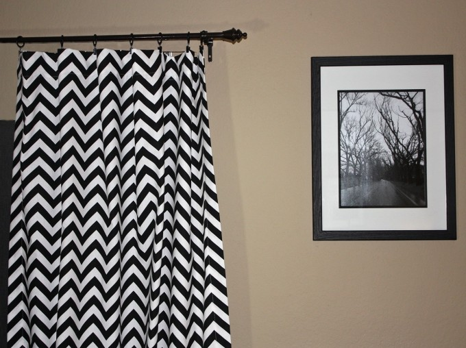 Black And White Chevron Curtains Matched With Cream Wall Plus Picture