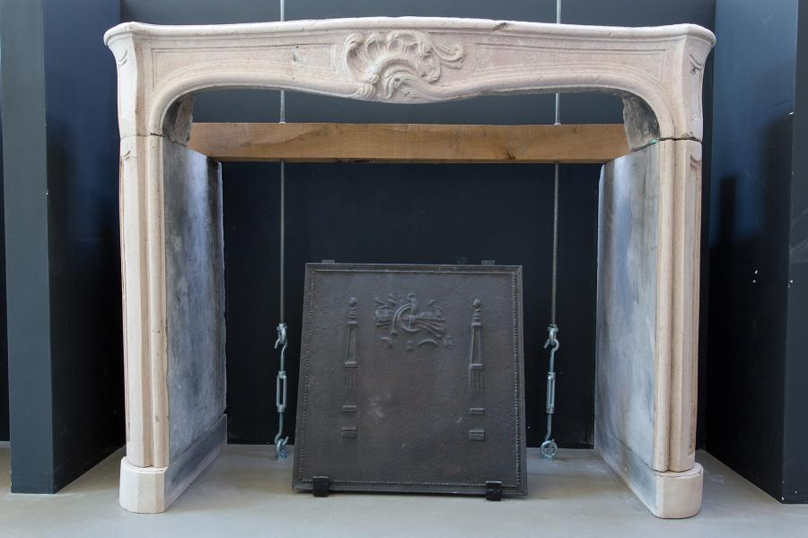 Classic fireplace Mantel Kits from concrete materials for modern house