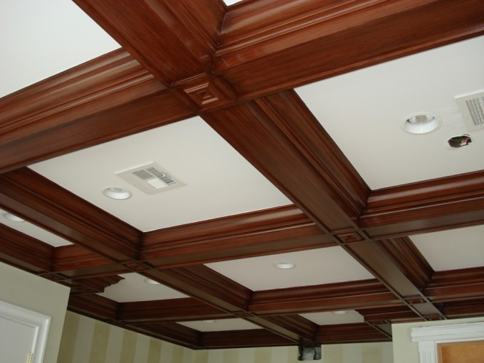 Coffered Ceiling In Natural Brown Wood And White With Lights Mathed With Vertical Stripped Wall