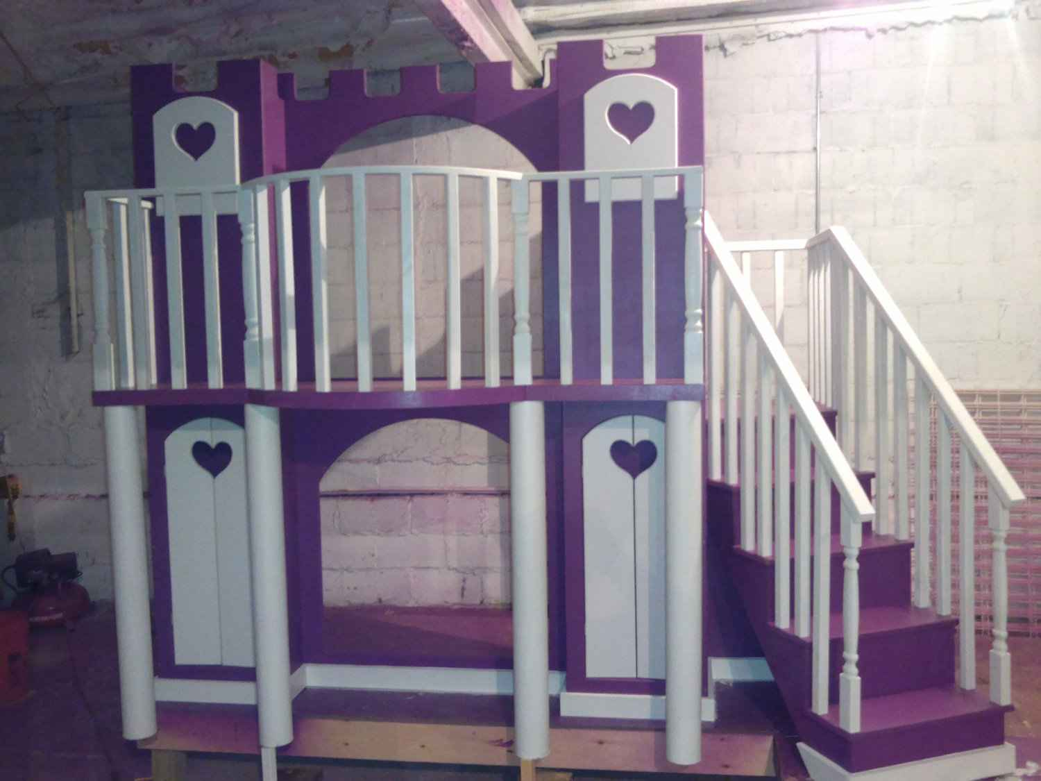 Delightful Loft Beds For teens with violet castle theme and stairs