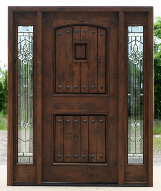 Entry Door With Sidelights In Classic Style With Brown Color