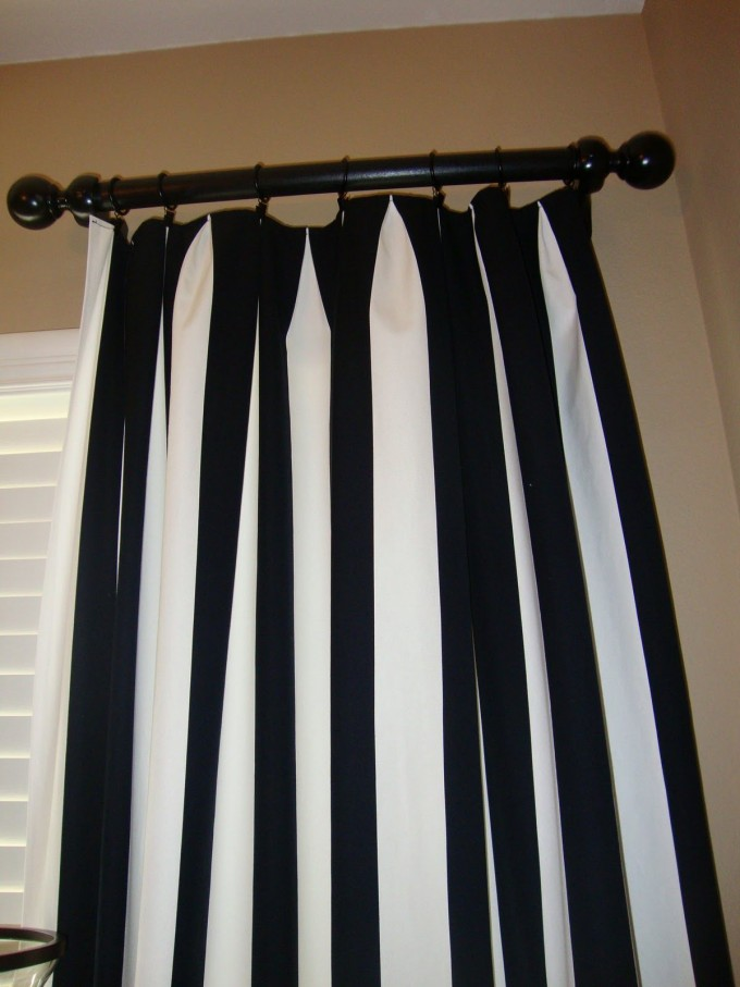 Horizontal Striped Curtains In Black And White Theme With Black Iron And White Window