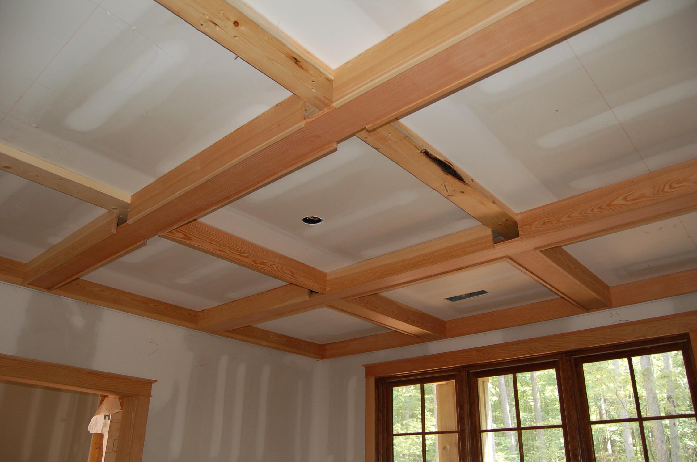 Interior & Decoration Simple Wood Coffered Ceiling with white wall and window