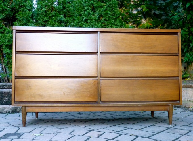 Luxury Mid Century Dresser With Six Drawers