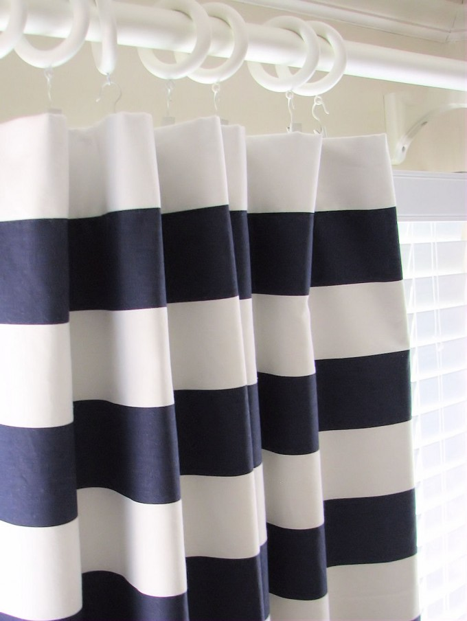 Navy Blue And White Curtains With Seven White Curtain Rings
