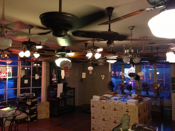 Some Lowes Ceiling Fans With Many Style And Colors