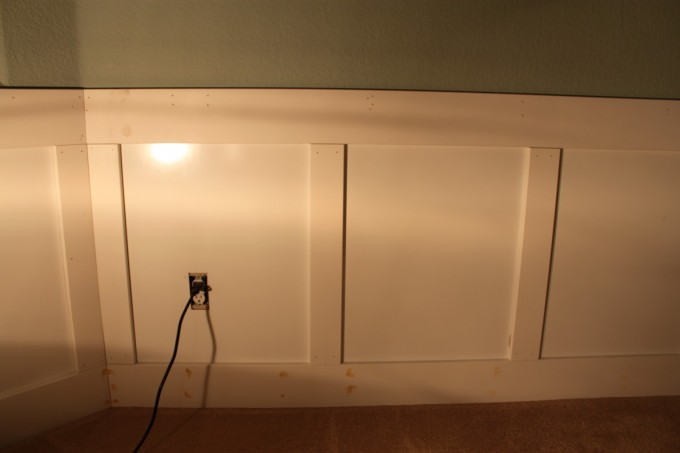 The Sweet Wainscoting Ideas With Olive Wall And Wooden Floor For Living Room