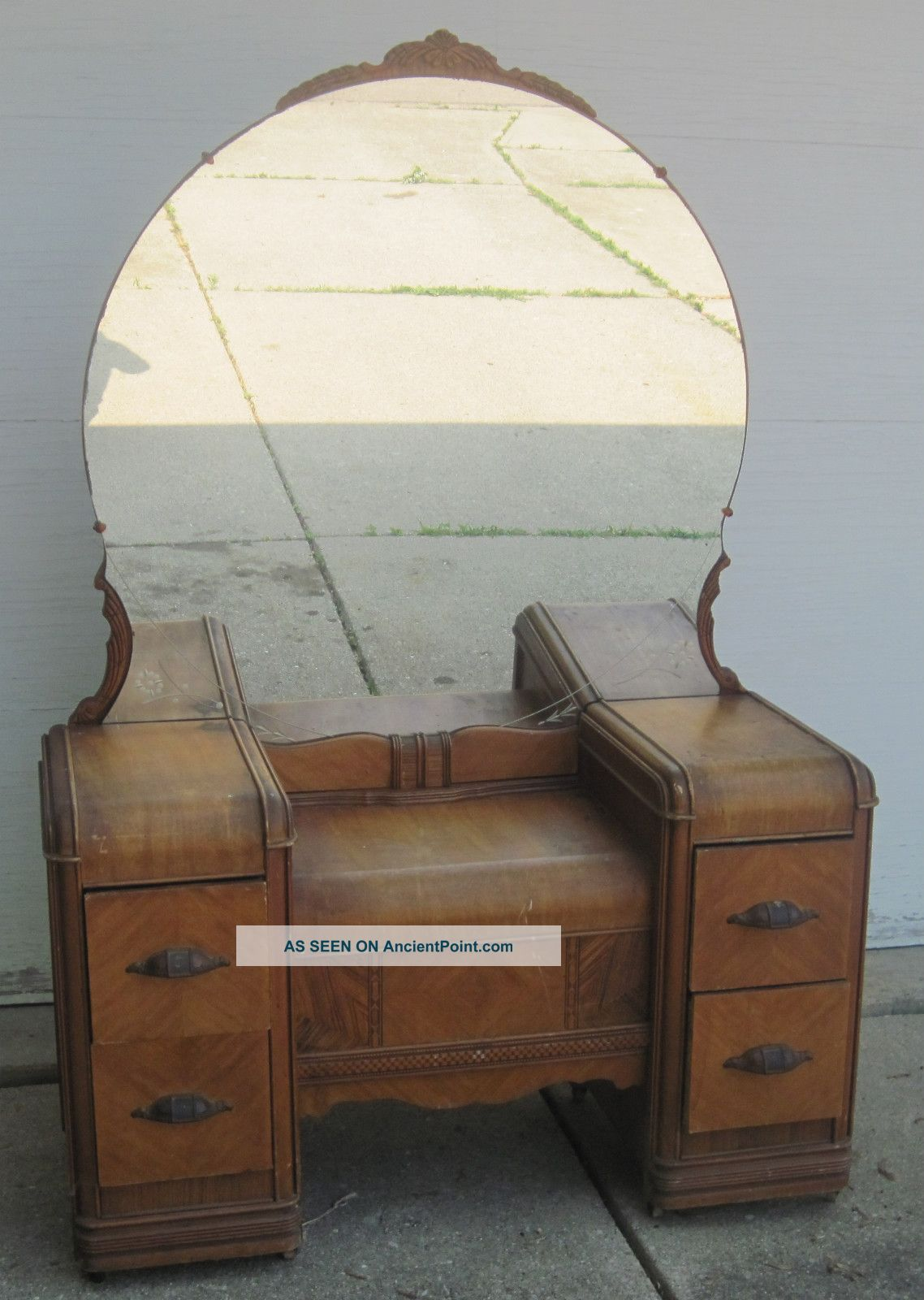 antique wooden hayworth vanity with mirror for inspiring furniture ideas - Furniture: Antique Wooden Hayworth Vanity With Mirror For
