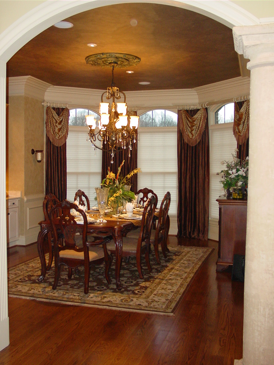 dining room design with sprintz furniture with dining table on floral carpet plus chandelier ideas
