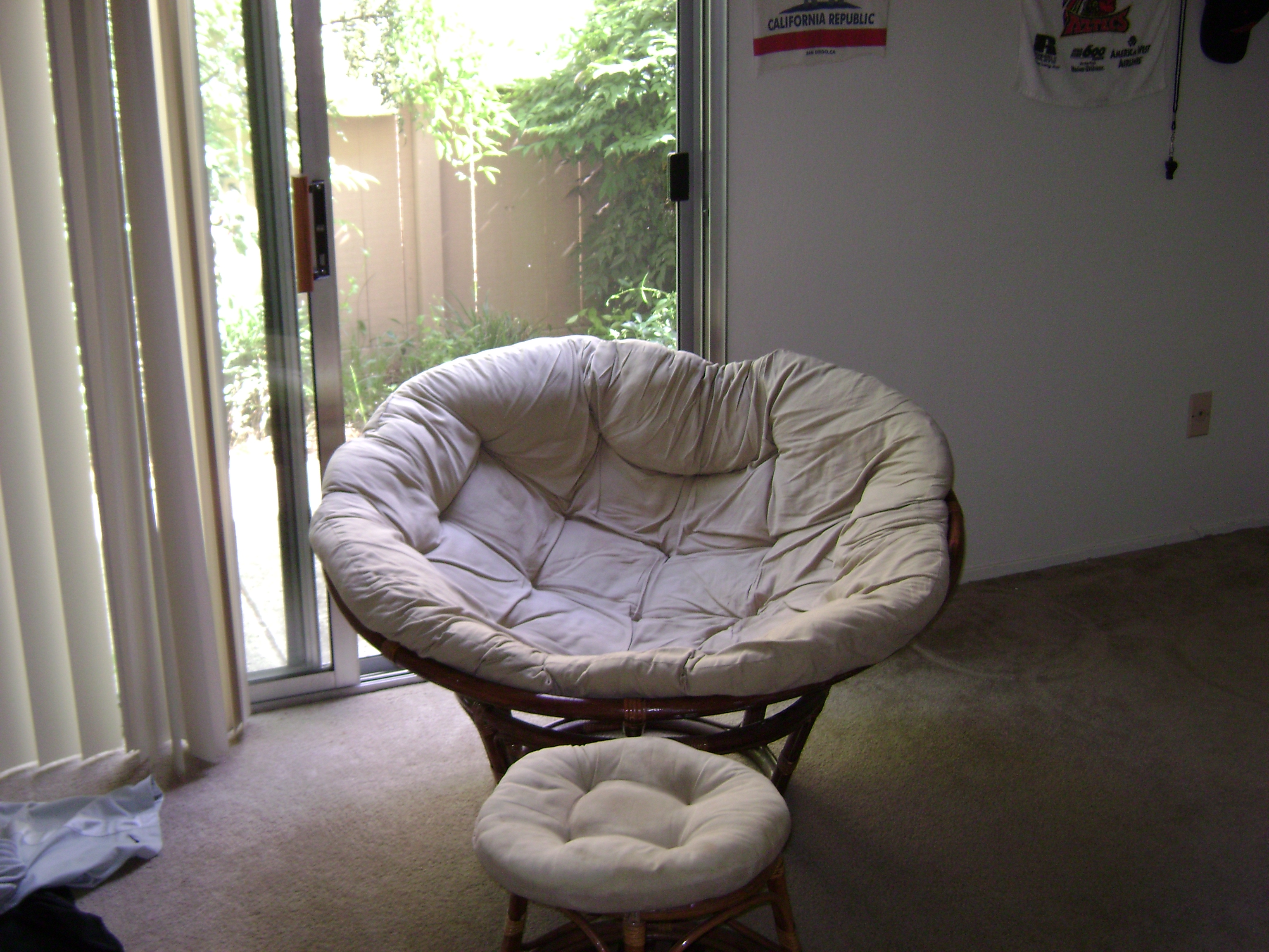 Furniture Double Papasan Chair With White Solid Fabric Cushion Ideas