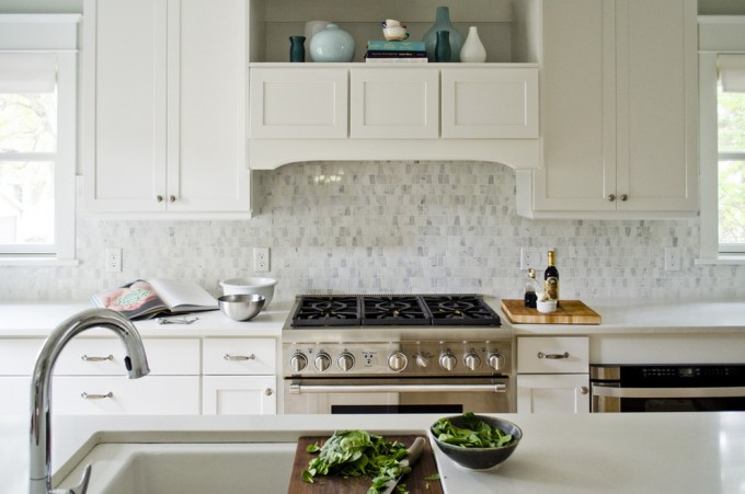 Exciting White Aristokraft Cabinets With White Mosaic Back Splash Plus Oven For Kitchen Decor Ideas