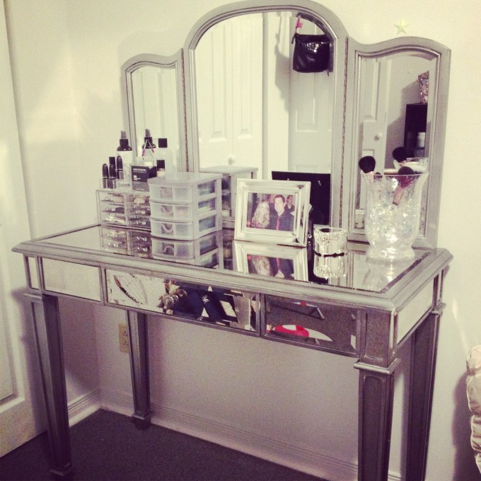 Hayworth Vanity With Drawers Before The White Wall For Make Up Room Ideas