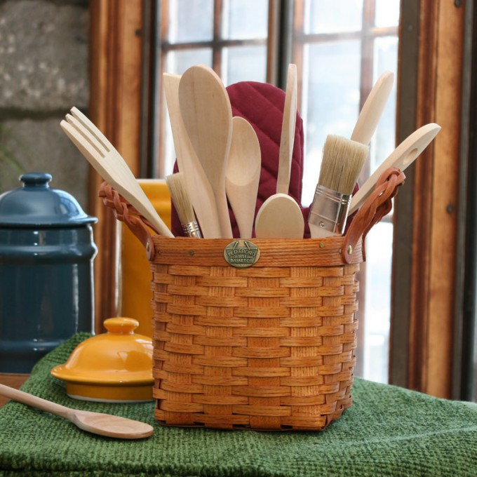 Rattan Utensil Caddy With Handle For Mini Storage Ideas