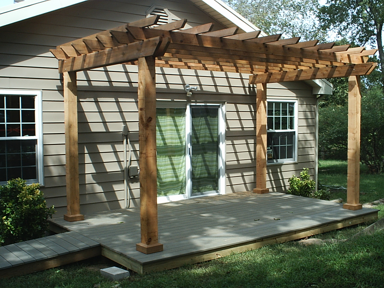 Simplistic Pergola plans Ideas Of Home Backyard Design With sigle hung window and glass door