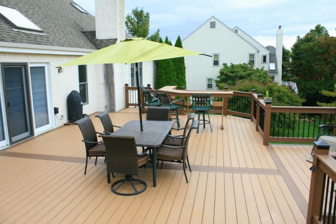 Tan Azek Decking And Railing Plus Dining Table For Beautiful Deck Ideas