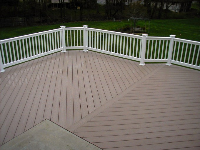 Tan Azek Pavers Matched With White Railing For Patio Decor Ideas