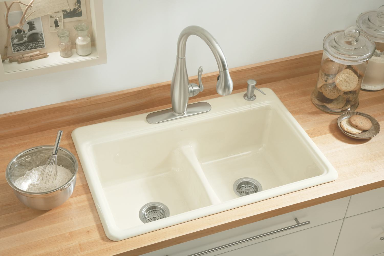 White Kohler Sinks Plus Silver Faucet With Single Handle Ideas