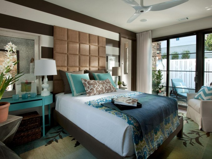Bedroom Decor Ideas With Turquoise Nightstand And Table Standing Lamp And Bedding Plus Chandelier