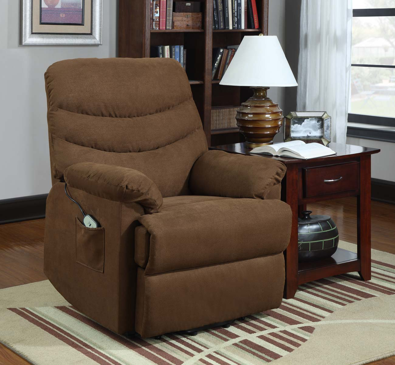 brown power Lift Recliners with pocket on wooden floor plus carpet and wooden table with table standing lamp for living room decor ideas