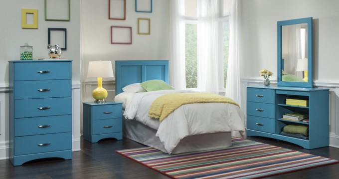 Charming Bedroom Decoration With Turquoise Nightstand And Bedding Plus Stripped Colorful Carpet On Wooden Floor For Bedroom Decor Ideas