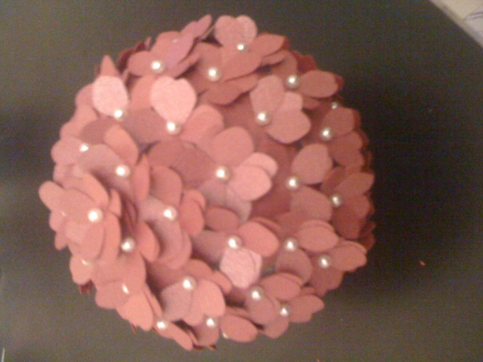 Charming Pink Flowers Decorative Orbs For Table Decor Ideas