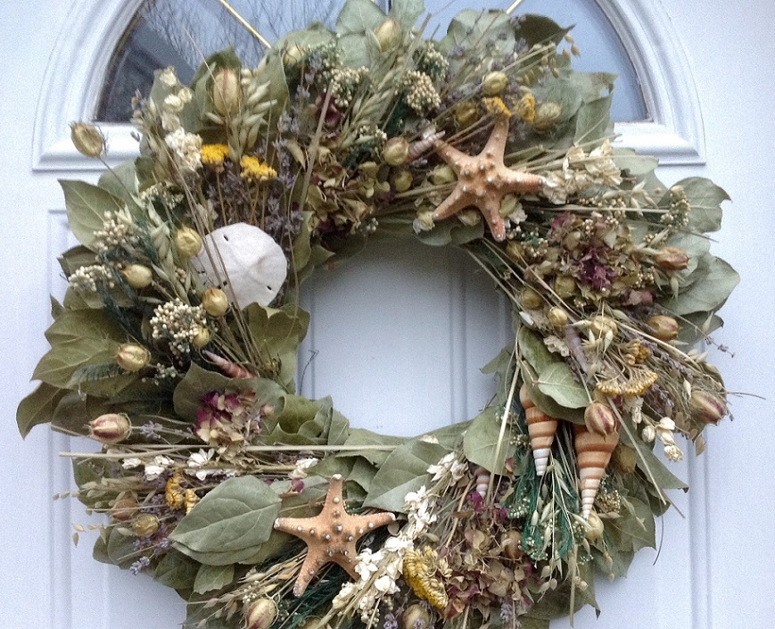 Charming Seashell Wreath With Leafs For Door Accessories Ideas