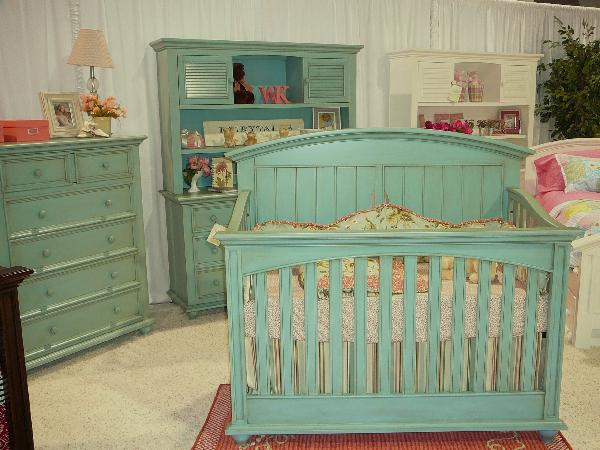 lovely crib in green munire crib plus matching dresser on white carpet matched with white wall for nursery decor ideas