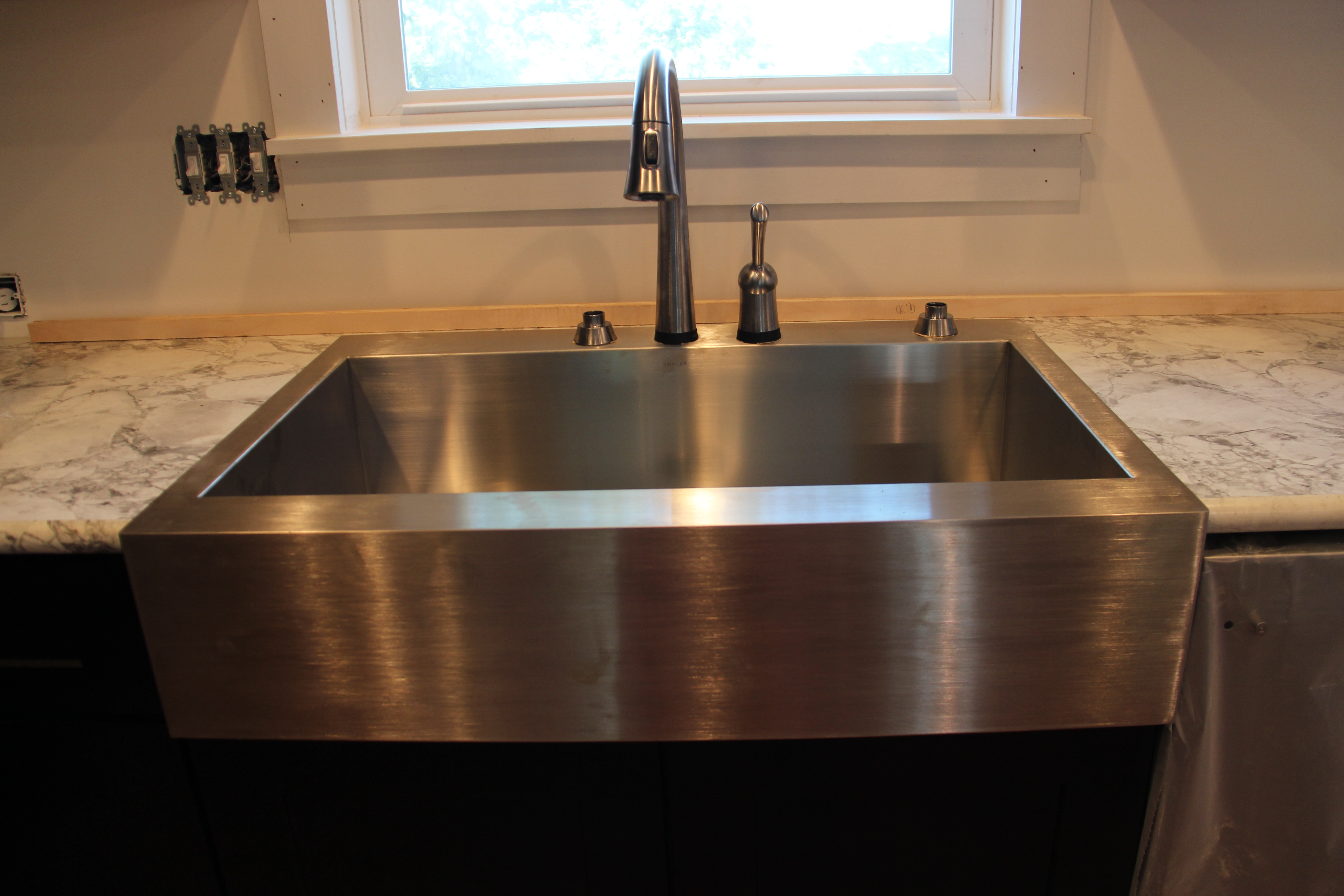 Rectangle Silver Apron Sink Plus Black Faucet Before The Window For Kitchen Decor Ideas