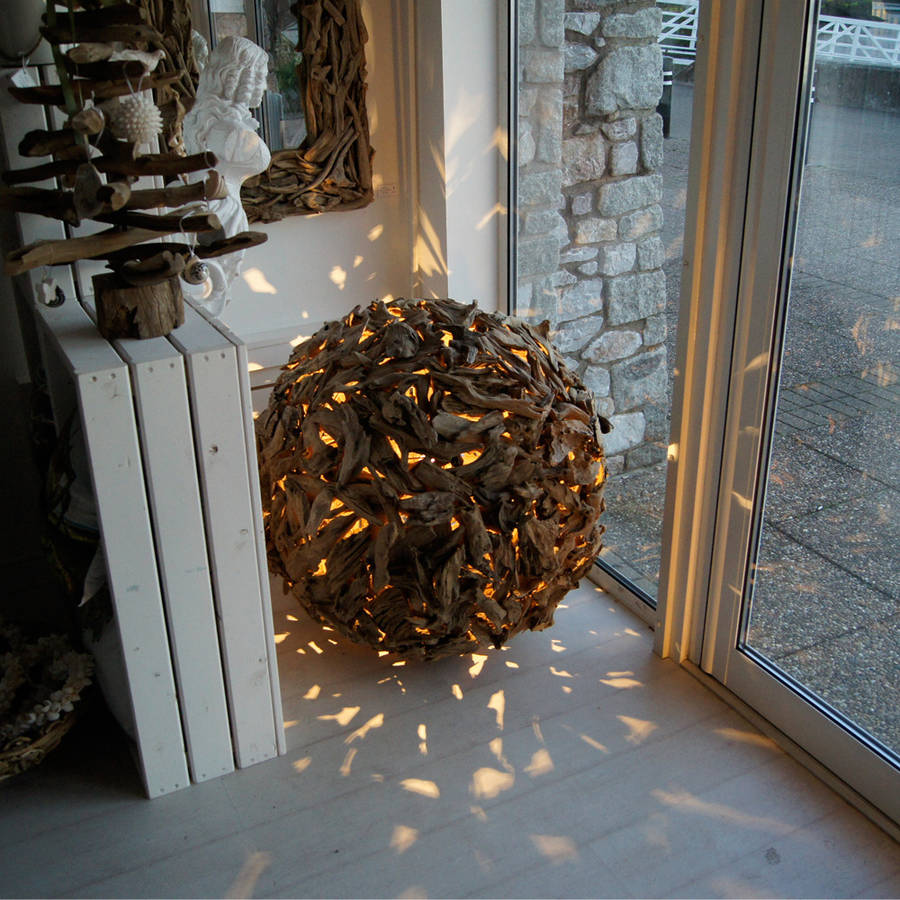 Sphere Design Of Driftwood Floor Lamp For Decorative Lighting Ideas