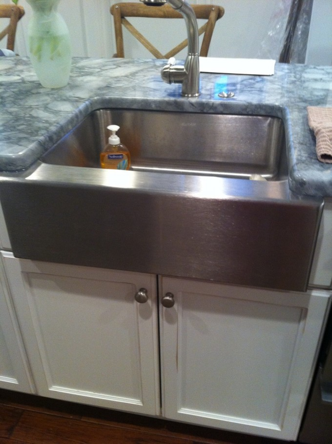 Stainless Steel Apron Sink On White Kitchen Cabinet With Grey Countertop Plus Silver Faucet For Kitchen Island Ideas