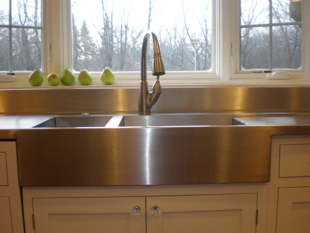 Stainless Steel Apron Sink Plus Silver Faucet On White Kitchen Cabinet Before The White Window For Kitchen Decor Ideas