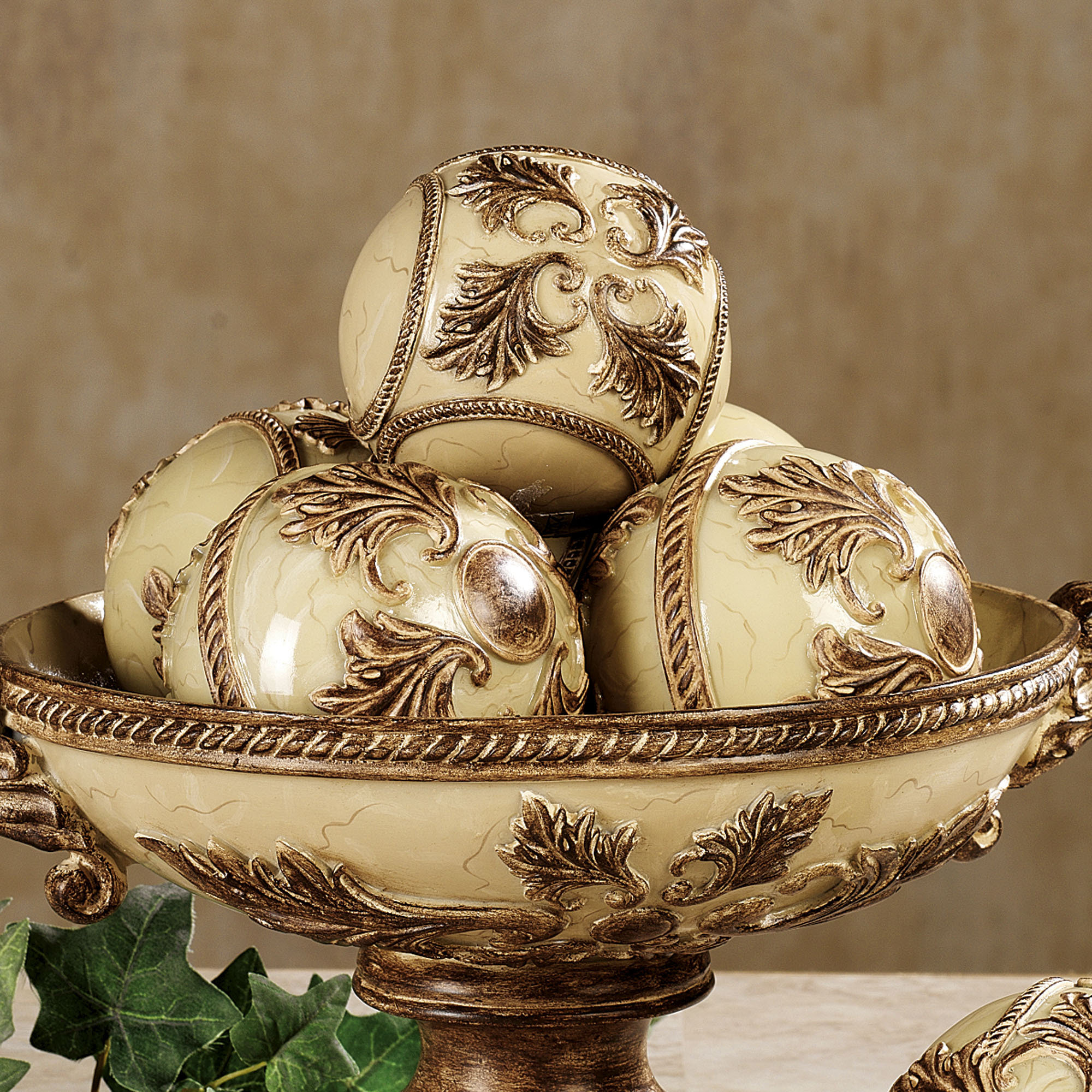 Vinelle decorative orbs in cream and luxury theme for table accessories ideas