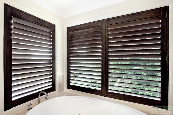 White Bathup Before The White Wall With Window And Wood Bali Blinds For Bathroom Decor Ideas