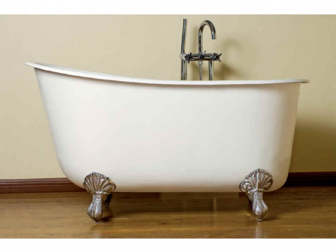 White Bathup With Silver ClawFoot Tub On Wooden Floor Matched With White Wall For Inspiring Bathroom Decor Ideas