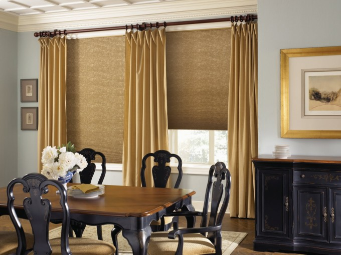 Window Decor With Brown Levolor Blinds And Cream Curtains On Blue Wall Matched With Wooden Floor Plus Dining Table For Dining Room Decor Ideas