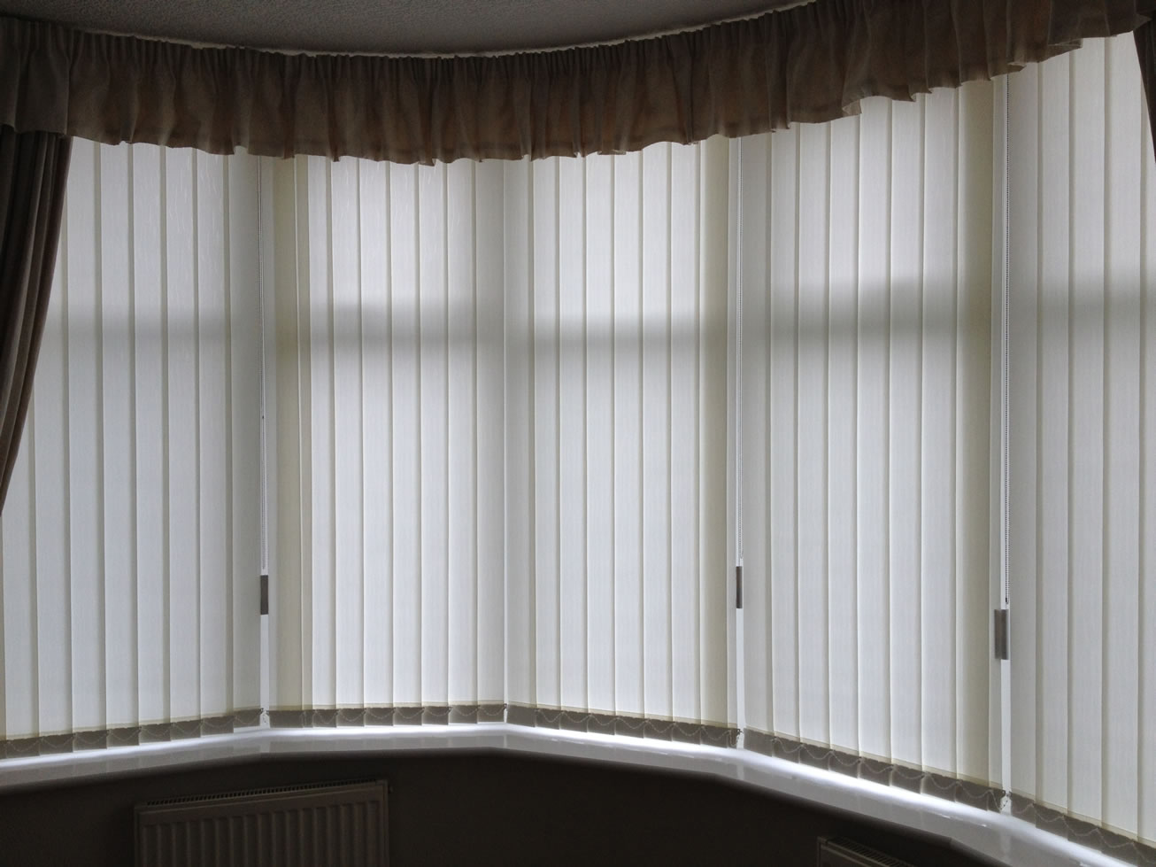 Window Decor With White Levolor Blinds Plus Curtains For Home Interior Design Ideas