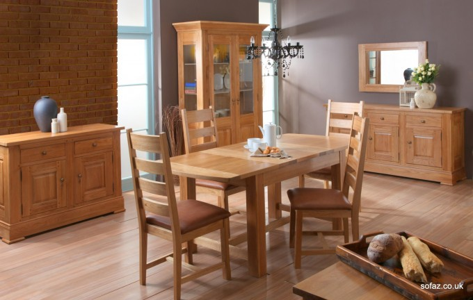 Wooden Expandable Dining Table Set On Wooden Floor Plus Chandelier For Dining Room Ideas