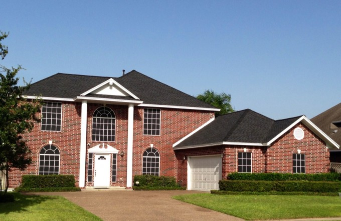 Chic Home Exterior Design Using Dark Gaf Timberline Hd Roofing With Brick Siding And White Wooden Door Plus Lantern Ideas