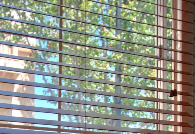 Chic Horizontal Faux Wood Blinds For Window Decor Ideas