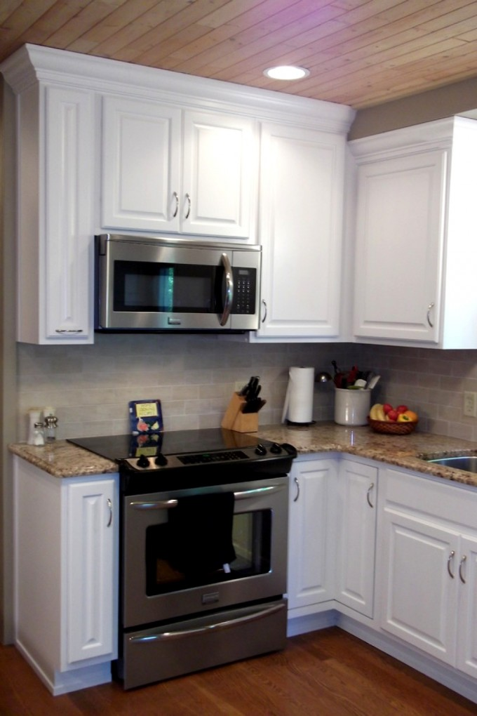 Chic Kitchen Bertch Cabinets In White With Granite Countertop And Stove For Kitchen Decor Ideas