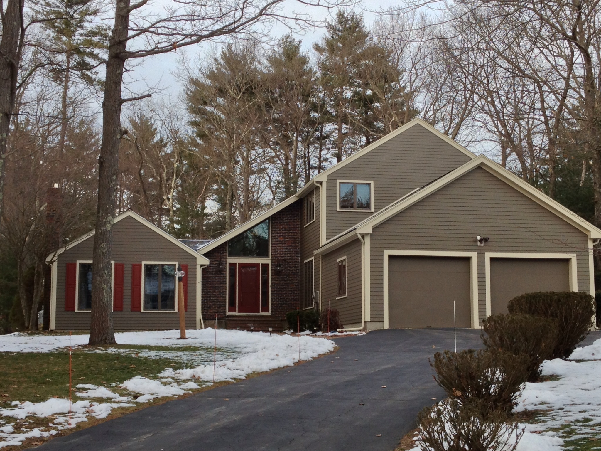 Home Exterior Design Ideas Siding Part - 45: Chic Tan Horizontal Hardie Plank Siding Matched With White Trim Board For Home  Exterior Design Ideas