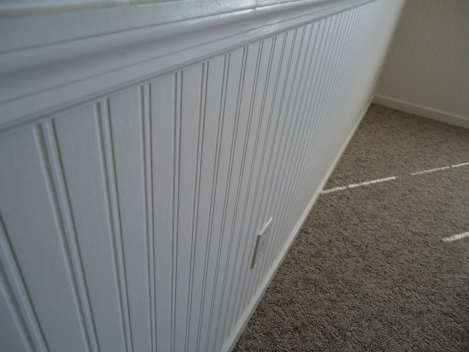 Chic Wainscoting Using Wall Doctor Beadboard Wallpaper In White