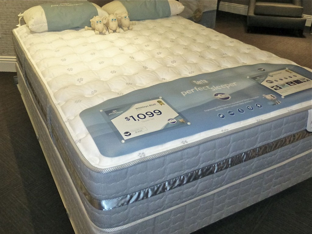 Comfortable White Serta Perfect Sleeper Mattress For Sale