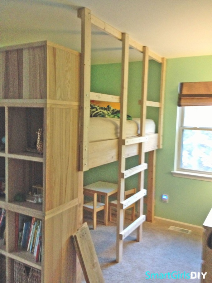Diy Wood Loft Beds For Teenagers With Stair And Shelves Before The Green Wall For Boys Bedroom Decor Ideas
