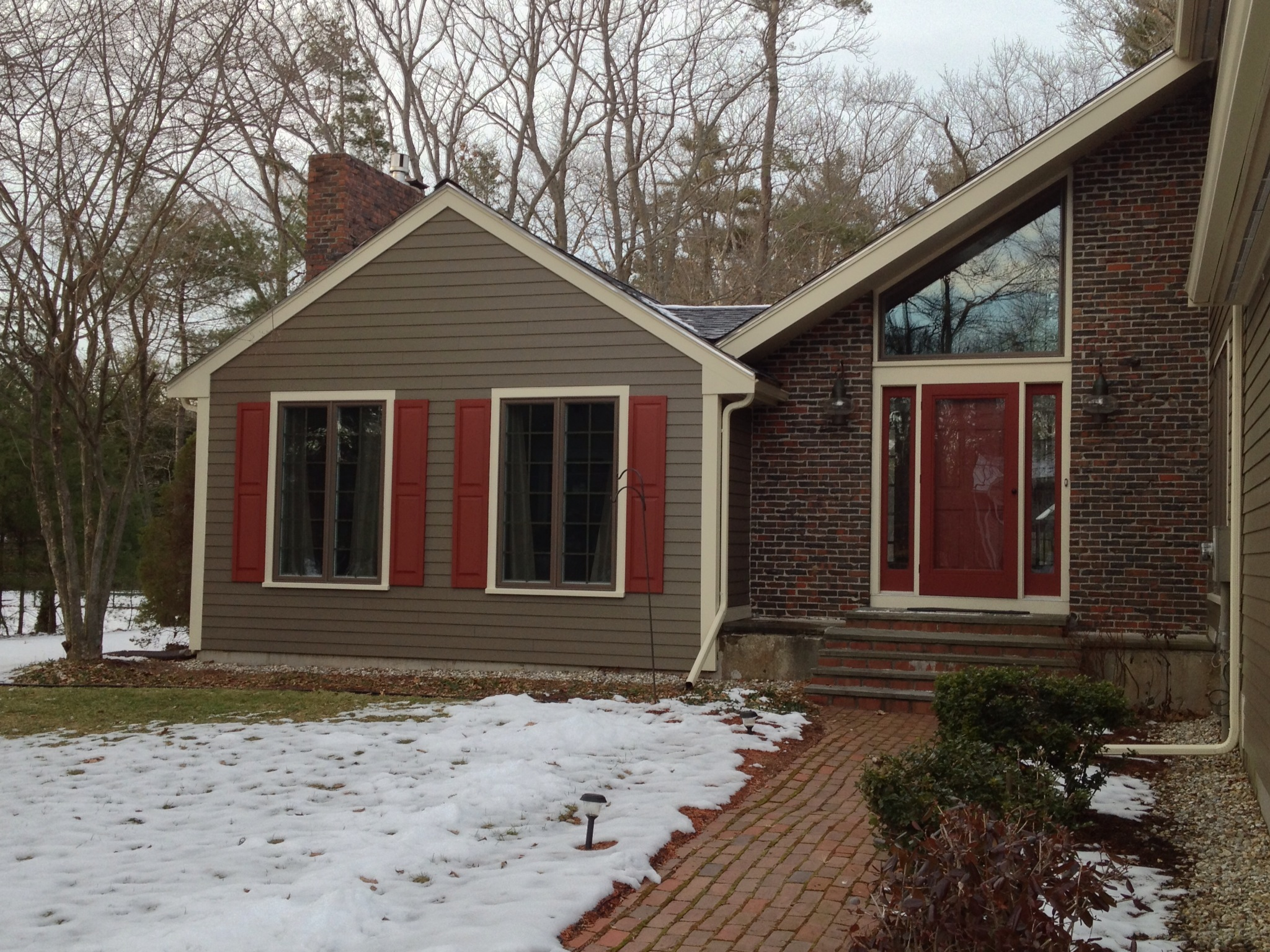 great horizontal hardie plank siding in gray with white trim board and glass window for home exterior design ideas