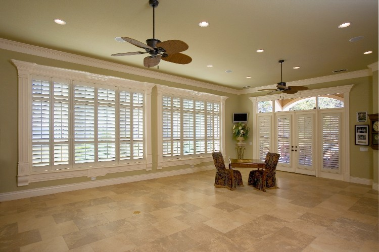 olive wall with white trim board window and faux wood blinds matched with beige tile floor and white ceiling with fan and light for home interior design ideas