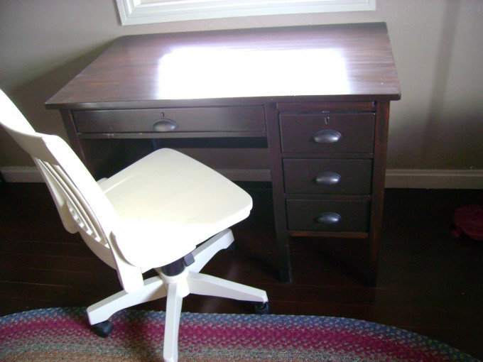 Wonderful Wooden Desk Using Minwax Gel Stain On Wooden Floor Plus Single Chair For Home Office Decor Ideas